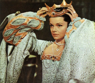 Anne of the thousand days_Genevieve bujold