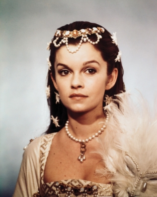 Anne of the thousand days_Genevieve bujold_4