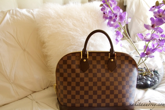 Louis Vuitton Alma Damier 2