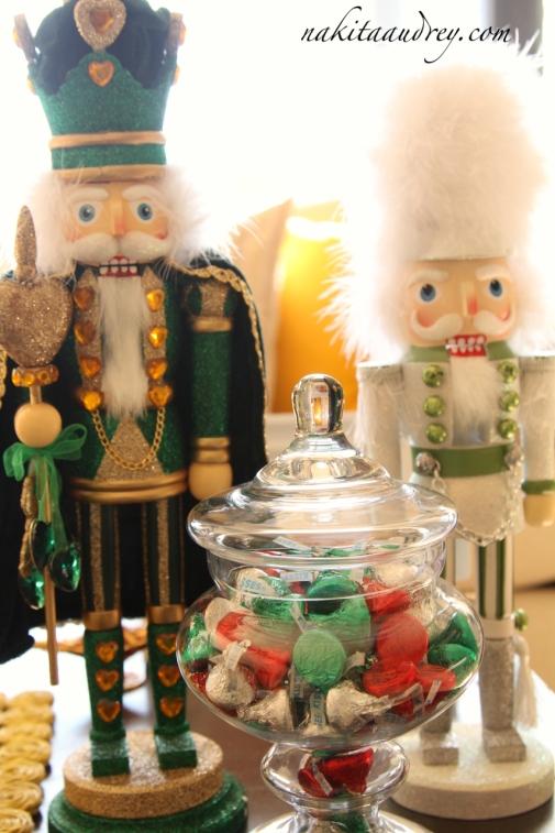 The nutcracker Christmas decoration 3